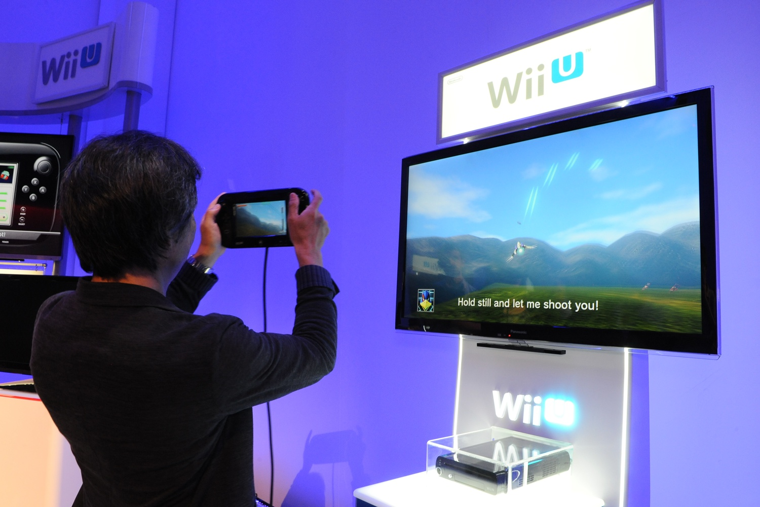 nintendo's new strategic approach a wii Nintendo identifies new market opportunities by adopting the blue ocean strategy with its wii console, it sought new customers by promoting fun, game library, and magic wand while intentionally sacrificing graphics, physics, and other high priced features.
